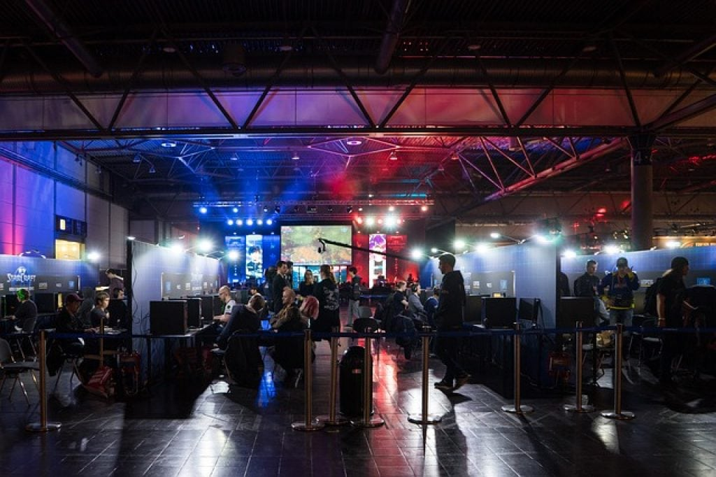 esports sponsorships and hybrid deals