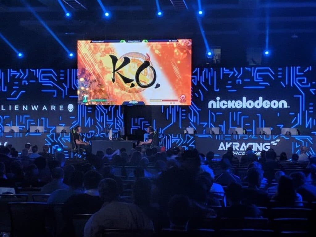 Picture of a live eSports competition with two players on stage