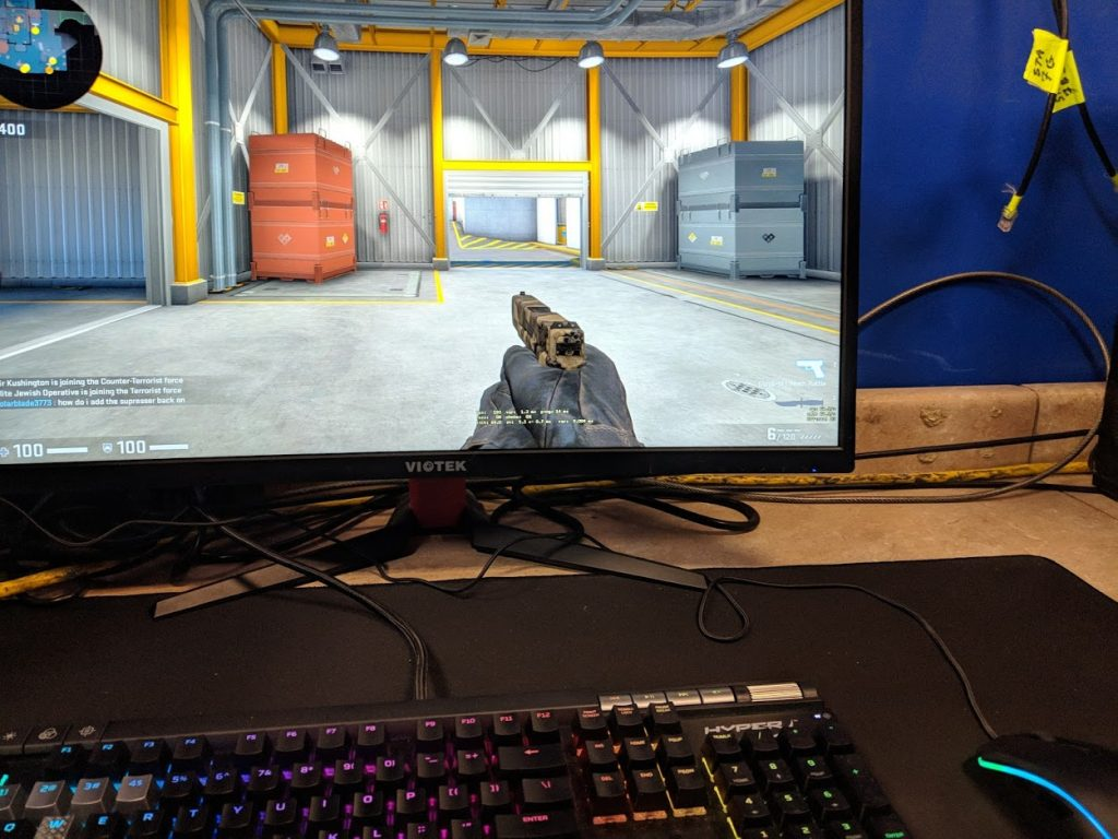 Picture of a CSGO game being played on a PC